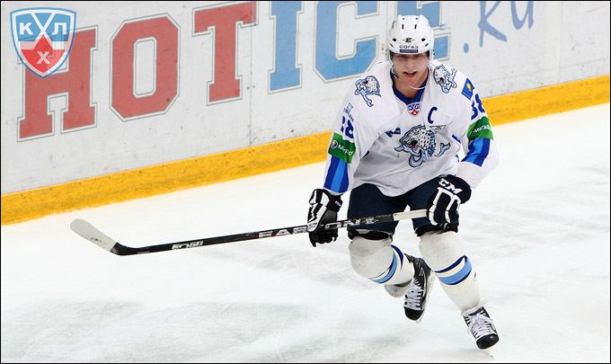 KHL's all-time points/goals leader among defensemen retires